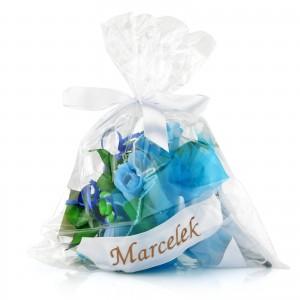 prezent dla dziecka na roczek niebieski bukiet ze skarpetek z imieniem