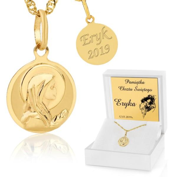złoty medalik z matką boską z grawerem w pudełku z dedykacją