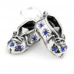 srebrne buciki z grawerem na chrzest