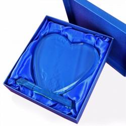szklane trofeum w kształcie serca w etui na prezent dla dziecka