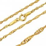 złoty łańcuszek z medalikiem na chrzest