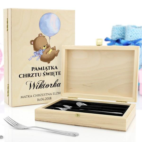 sztućce dla dzieci w drewnianym pudełku z grawerem Wesołe Zwierzątka na prezent na chrzest
