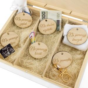 pudełko wspomnień z przegródkami na prezent na chrzciny