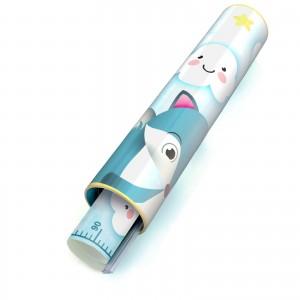 praktyczna i funkcjonalna tuba ozdobna na opakowanie miarki wzrostu na prezent dla chłopca